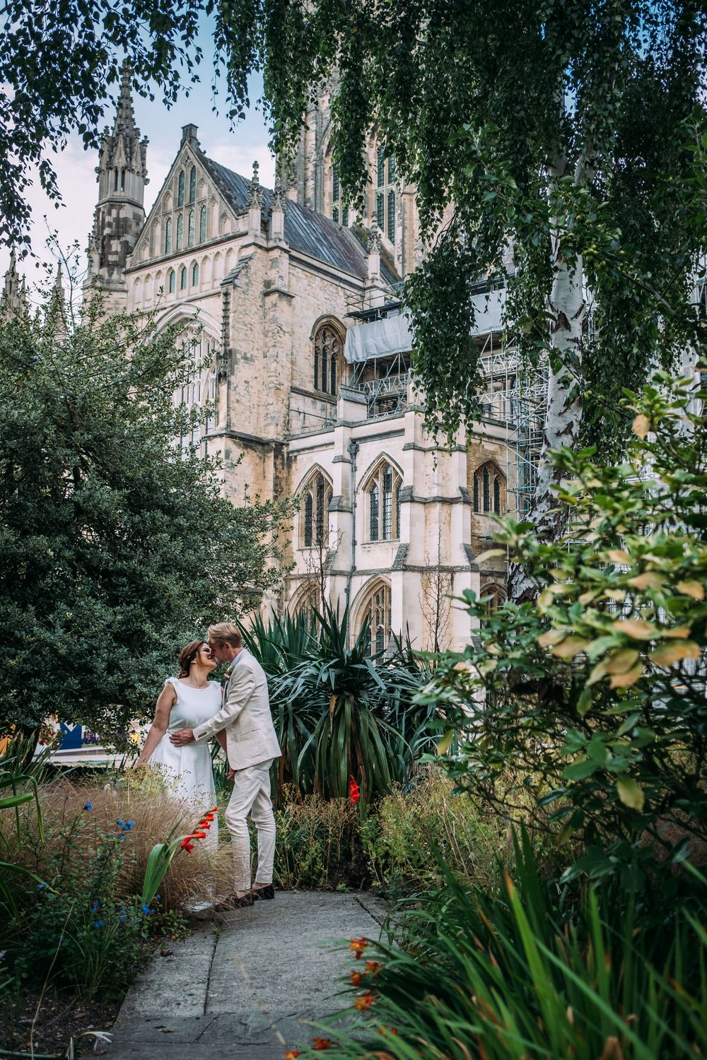 bride and groom at Canterbury cathedral