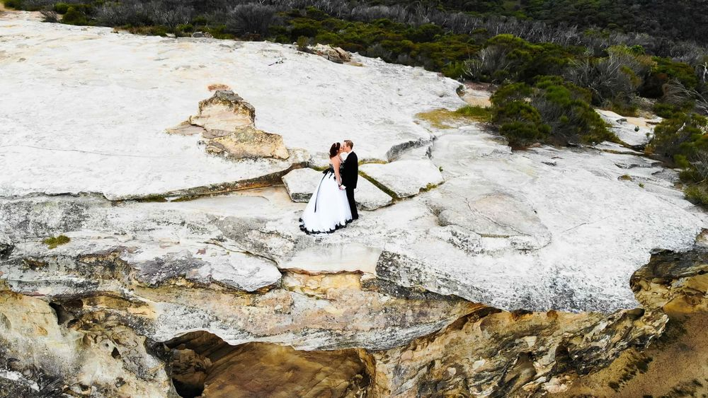 Bride and groom blue mountains