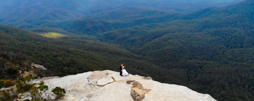 wedding blue mountains