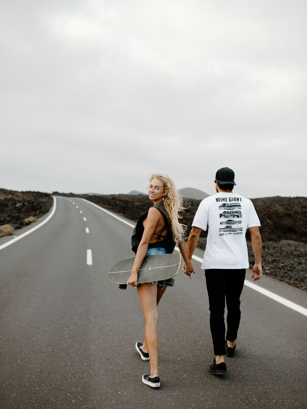 skate elopement wedding photographer Hawaii wedding photographer canaries wedding SoCal photographer posing inspiration