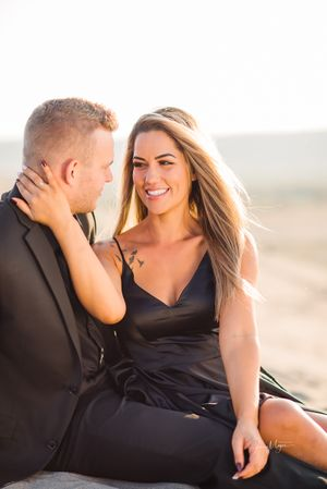 Capturing Natural Portraits / Lifestyle Photographer Eagle and Boise Idaho / Sand Dunes Engagement Photos