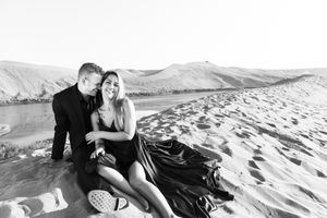 Bruneau Sand Dunes, Couples Photography_Boise Photographers
