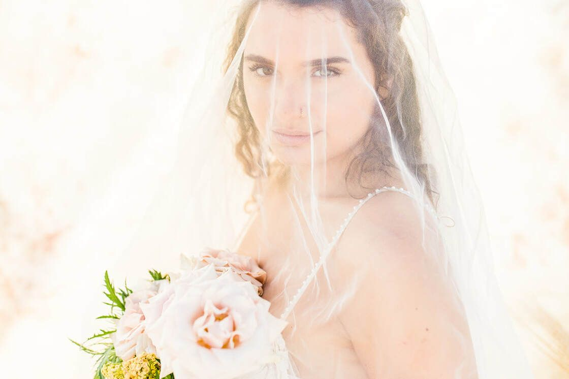 bridal details beautiful beachside blooms for a flowy boho styled shoot with ivory & beau on tybee island