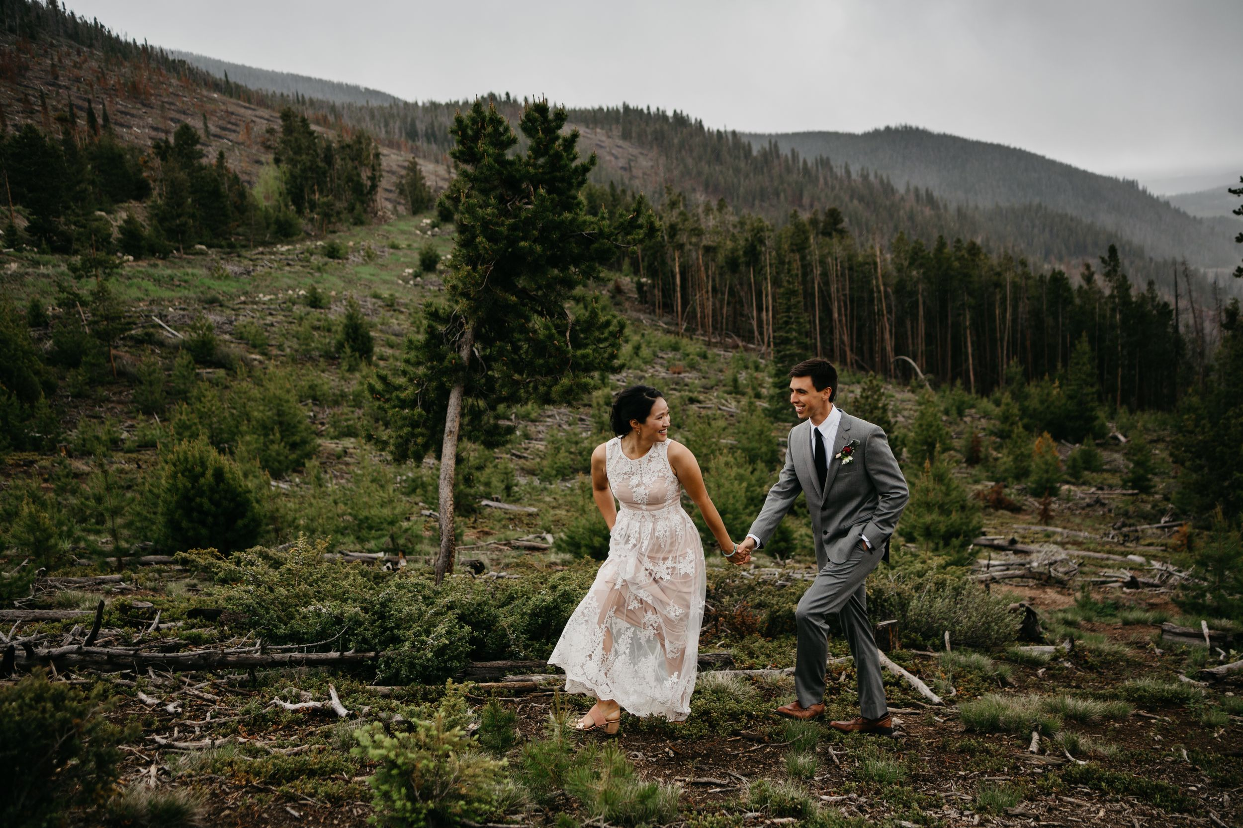 Rainy Elopement in Breckenridge Colorado Moody Portraits