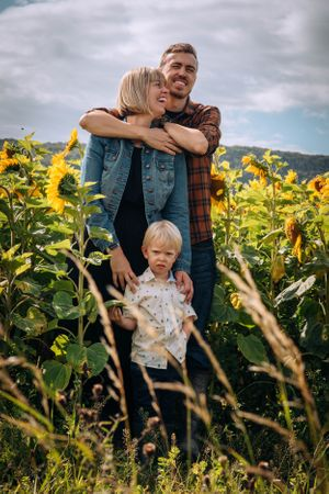 Zara Davis Photography Stroud Gloucestershire Cotswolds Family family of three