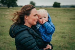 Zara Davis Photography Stroud Gloucestershire Cotswolds Family mum and baby