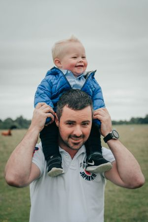 Zara Davis Photography Stroud Gloucestershire Cotswolds Family dad and baby