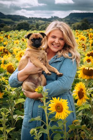 Zara Davis Photography Stroud Gloucestershire Cotswolds Family sunflowers pets girl and her dog