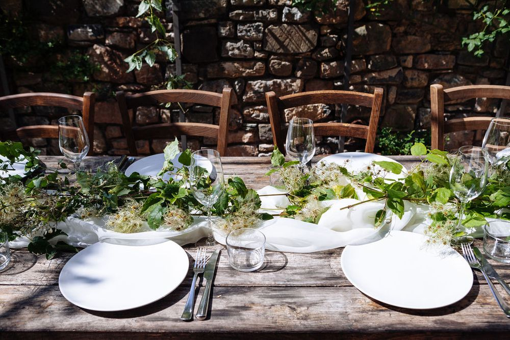 rustic table setting wedding inspiration Italy Tuscany