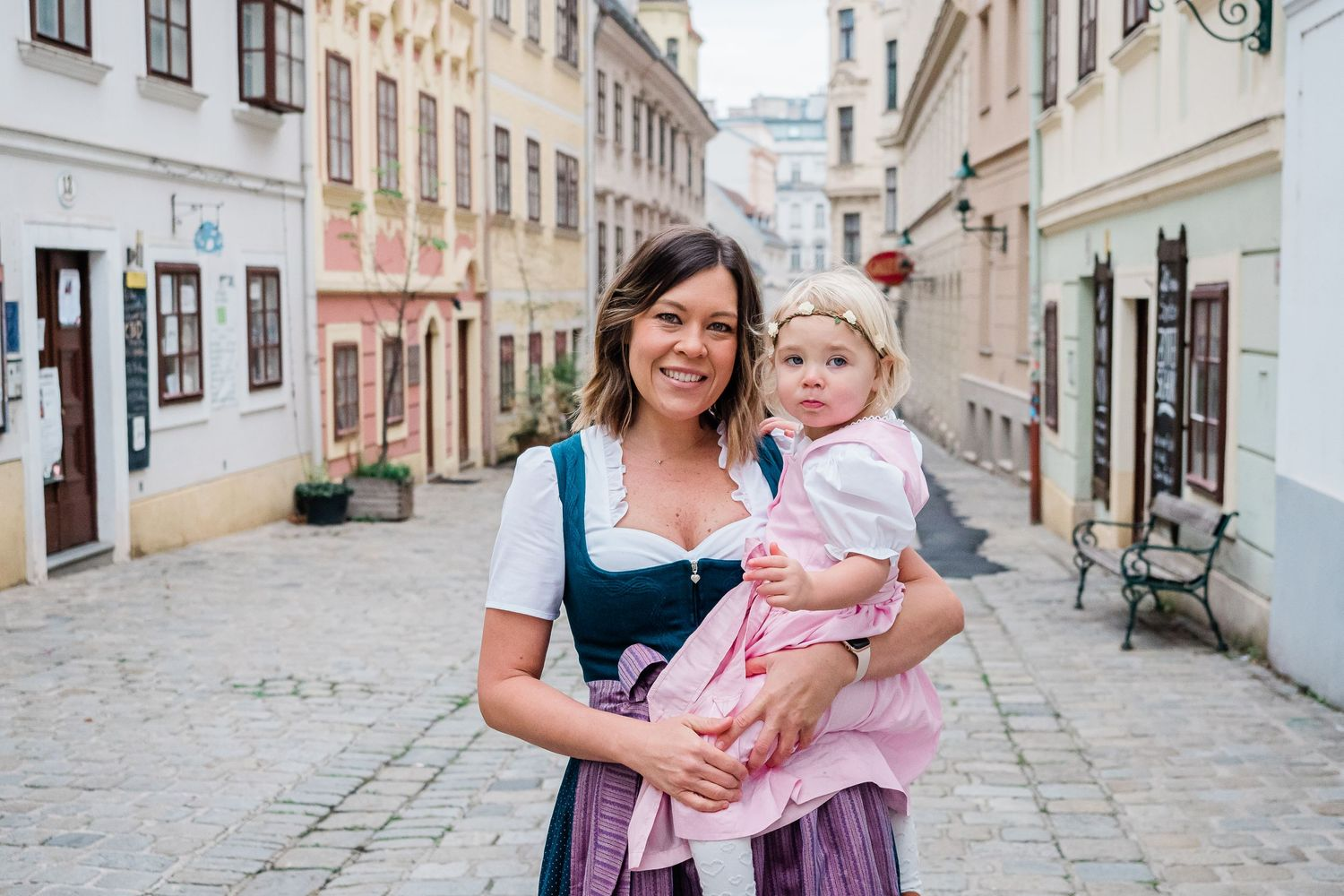 American Mother and daughter photography in Vienna, Austria wearing Dirndl