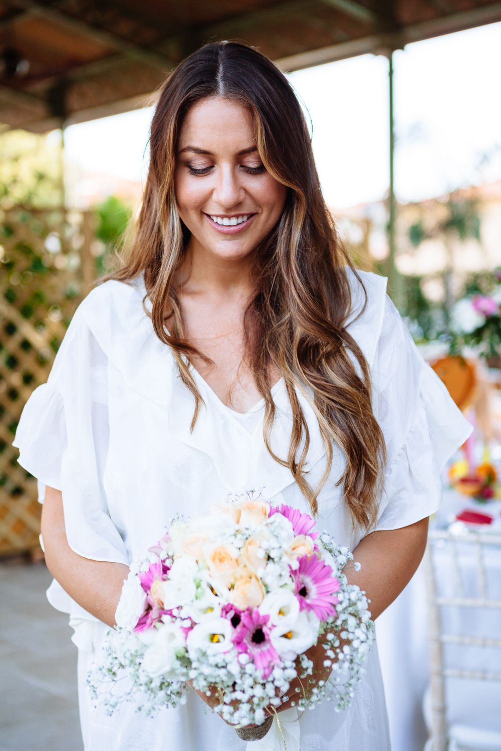 relaxed and natural hair and makeup inspiration for a small wedding in tuscany