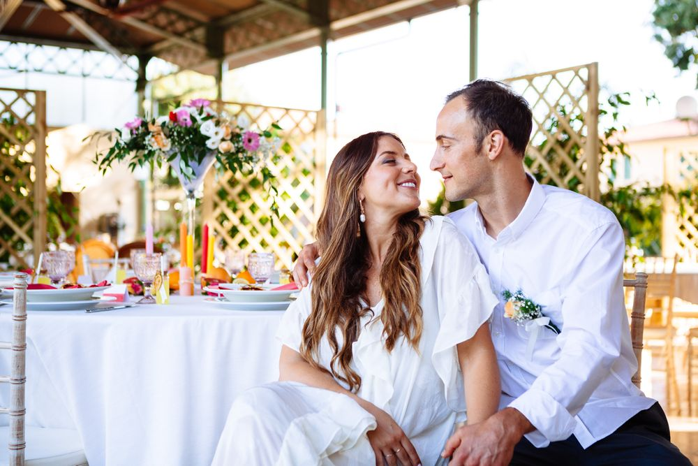 natural relaxed wedding photography for an intimate wedding in tuscany