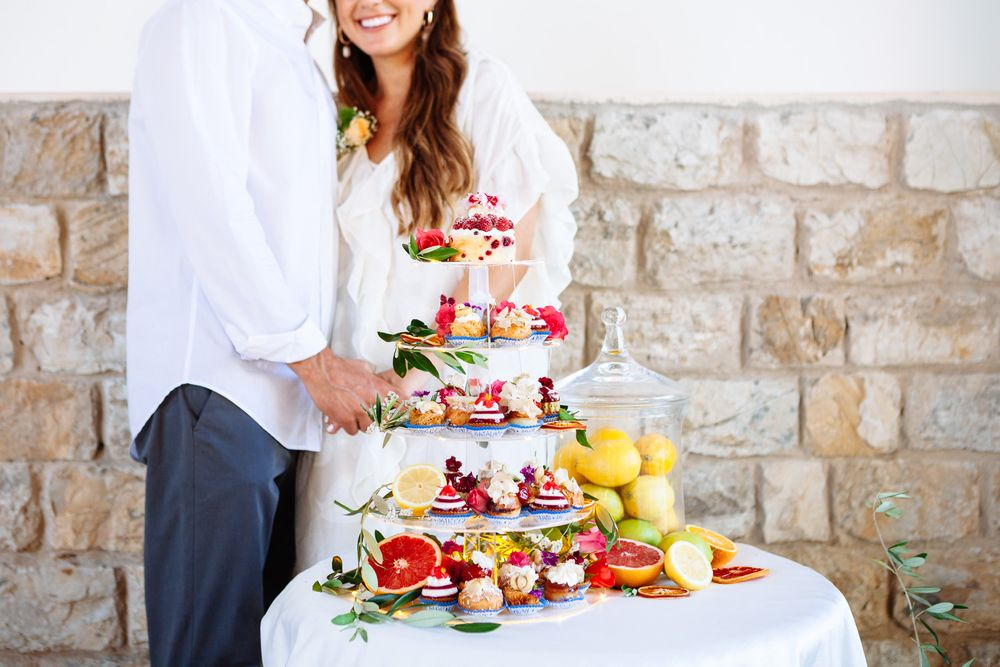 bright and bold Italian citrus wedding inspiration for a wedding or elopement in Tuscany