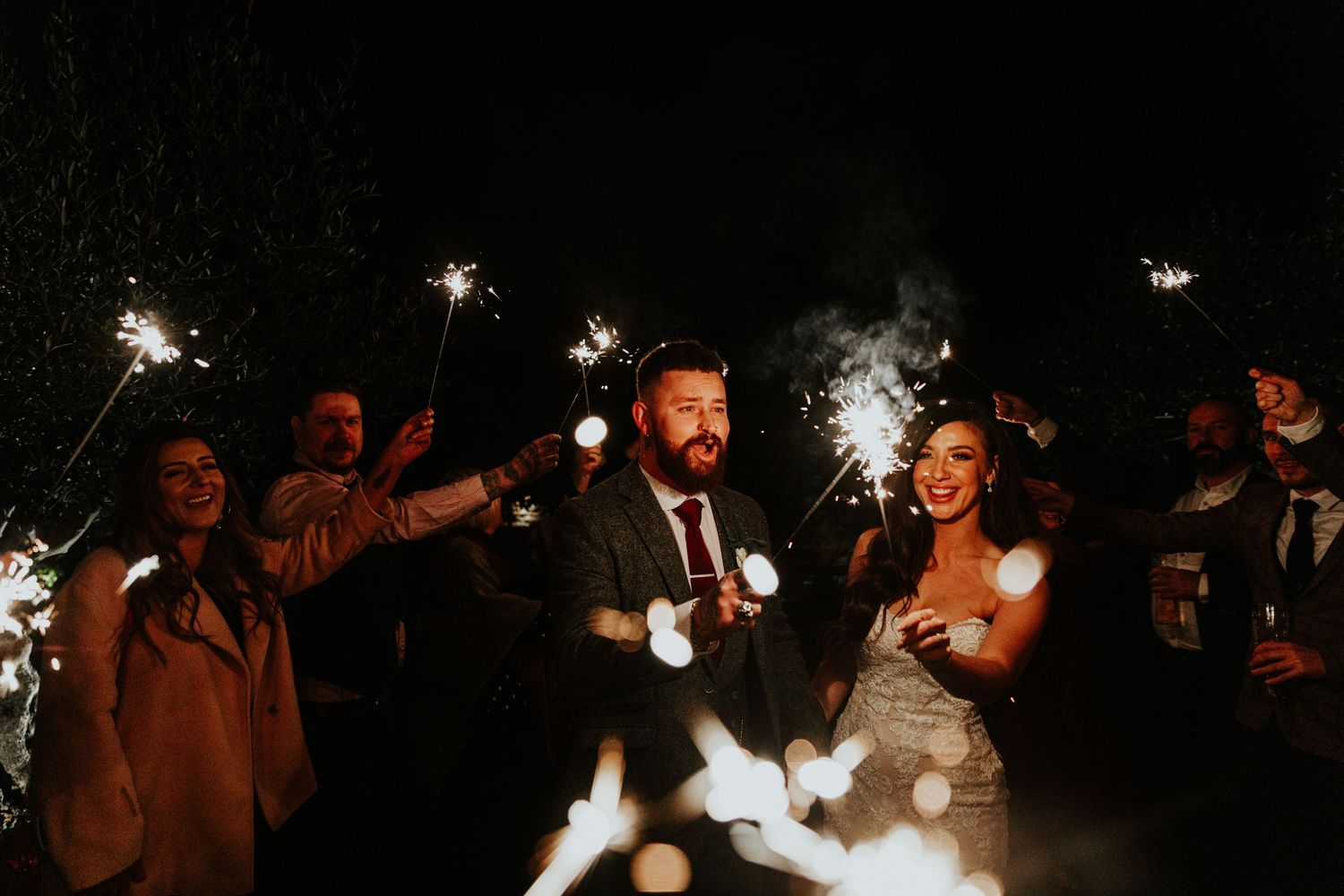 shustoke barn wedding sparklers