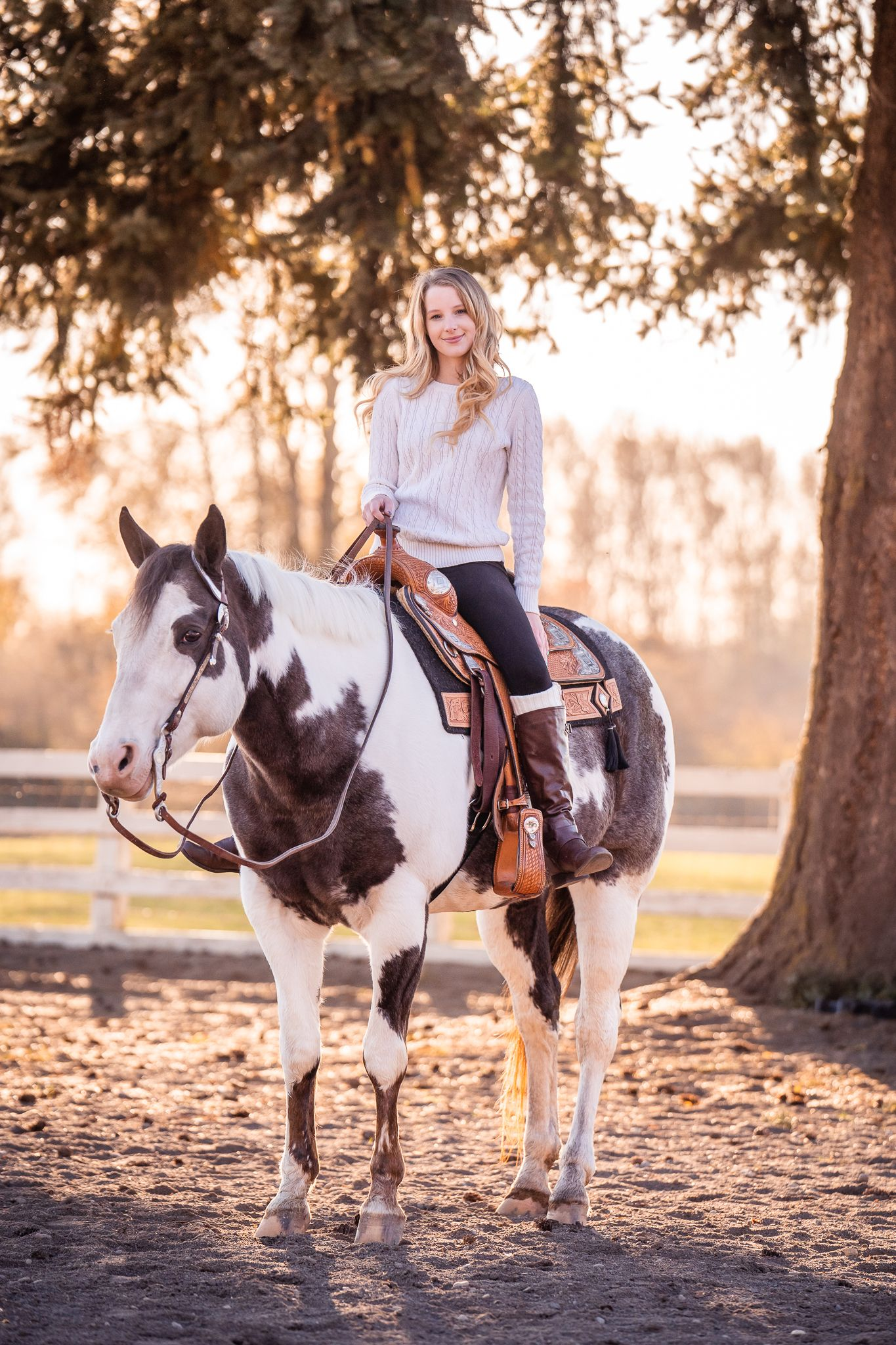 high school senior photos with horse in salem oregon