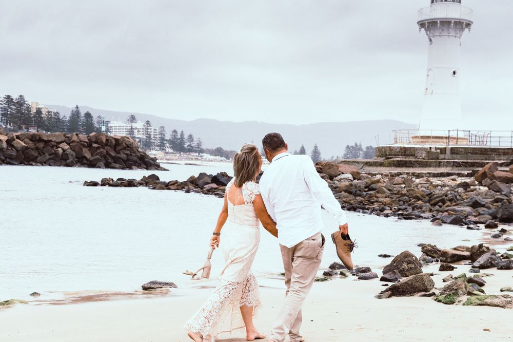 Wollongong beach wedding couple