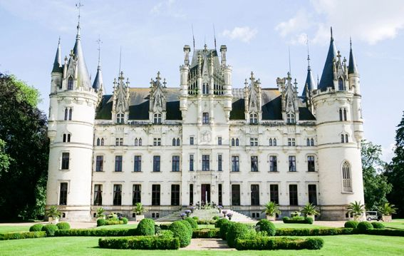 CHÂTEAU DE CHALLAIN FRANCE is on Faye Amare's wedding venue bucket list