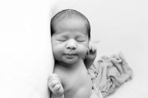 Hong Kong newborn photographer Lullaby Images