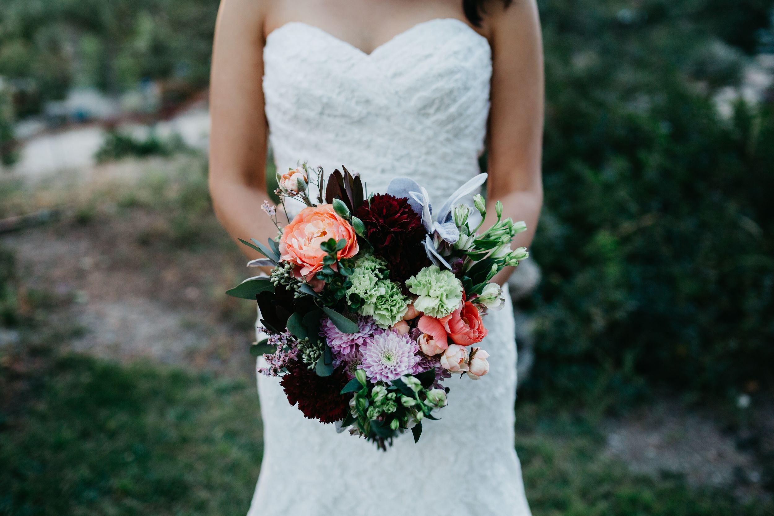 Unique wedding bouquet, summer bouquet ideas, Colorado wedding ideas, Colorado wedding photographer, co classic wedding