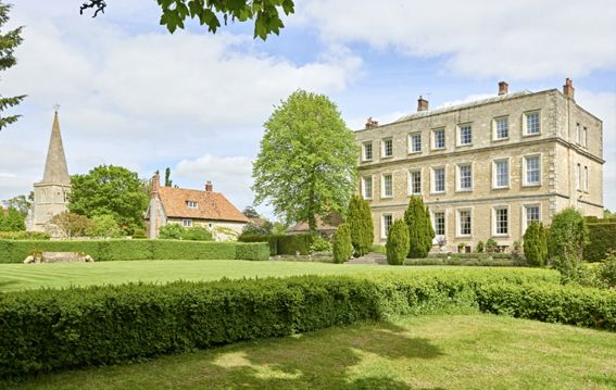 newington house oxfordshire is on Faye Amare's wedding venue bucket list