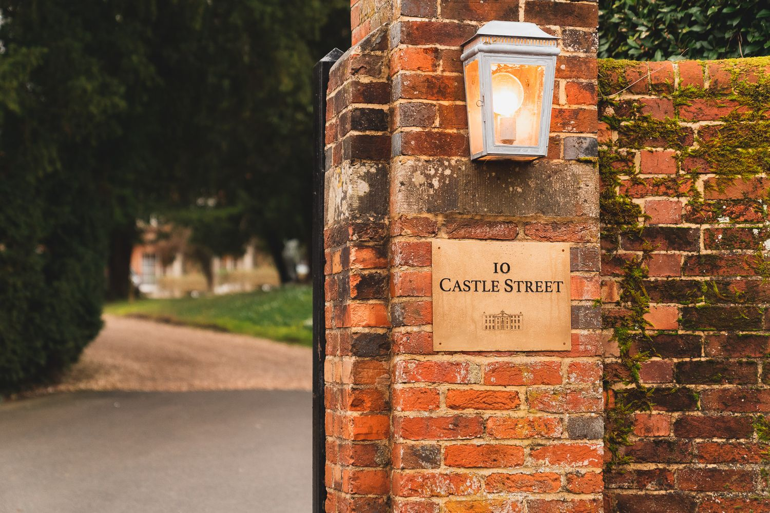 Entrance to 10 Castle Street, Dorset country house wedding venue.