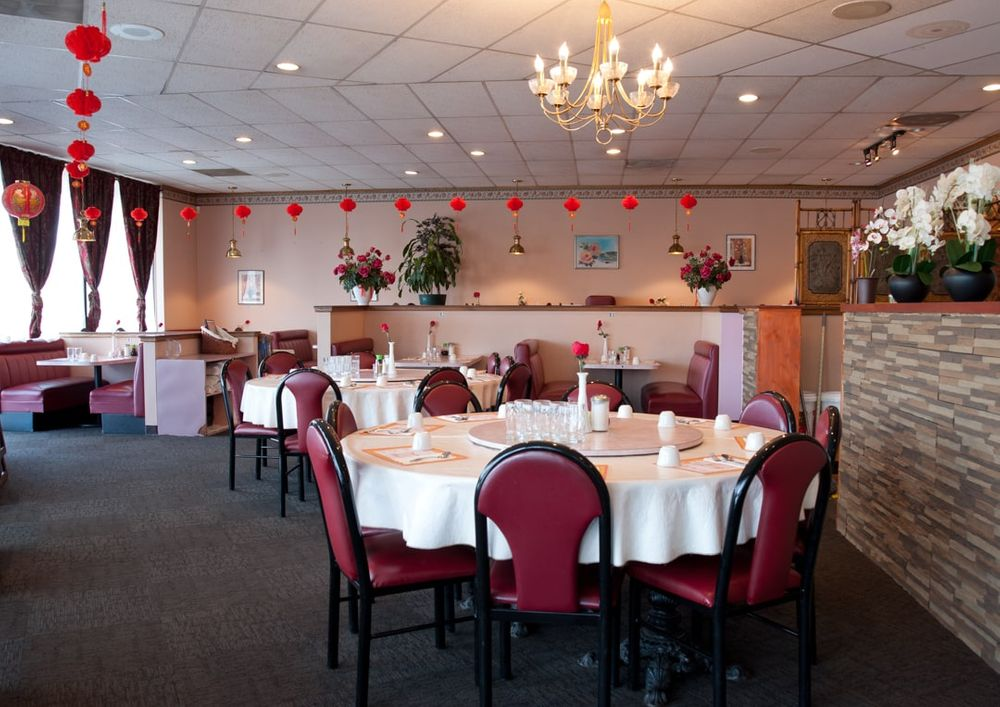 Interior dining room photogram of Rose Garden Chinese restaurant in Puyallup