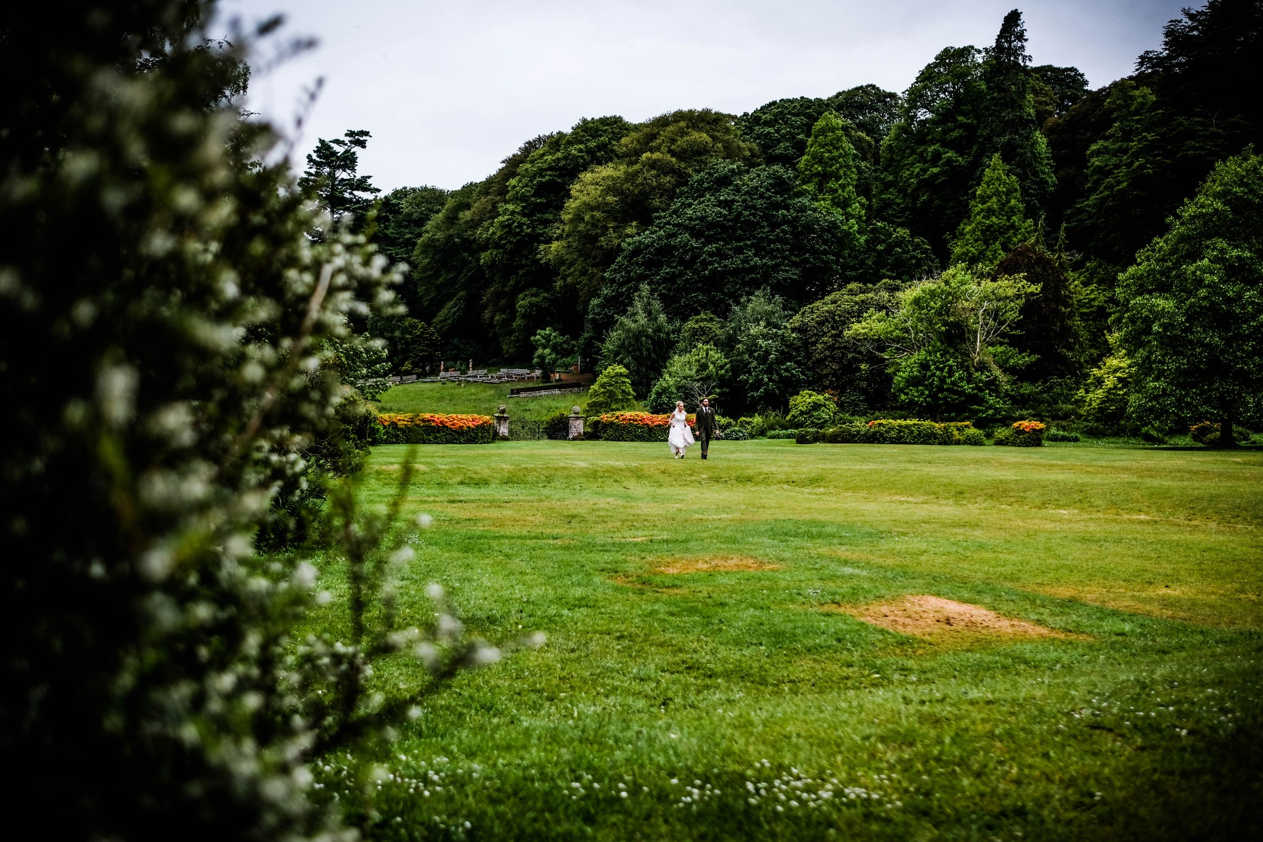 Chelsea Cannar Photography - Lake district wedding photographer, natural and relaxed coverage - Muncaster Castle Wedding