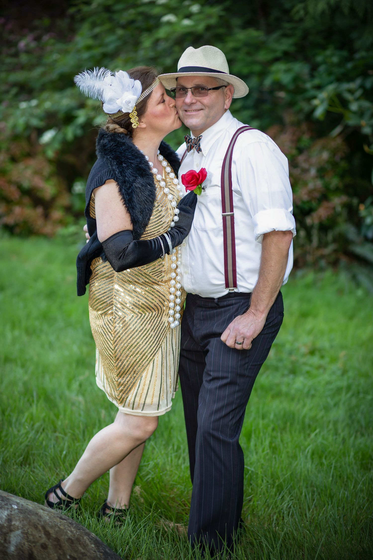 couple dresses in 1920's costume