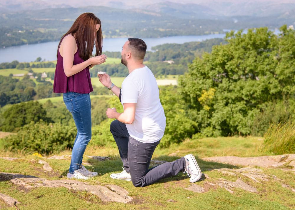 Surprise proposal photoshoot in Lake District
