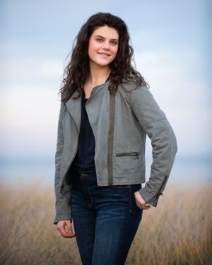 Cohasset High School senior portrait by heidi harting photography