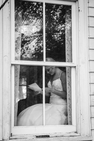 bride reading vows