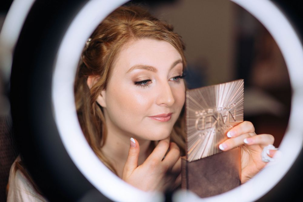 Aztec West Hotel wedding by Zara Davis Photography, Gloucestershire bride in ring light