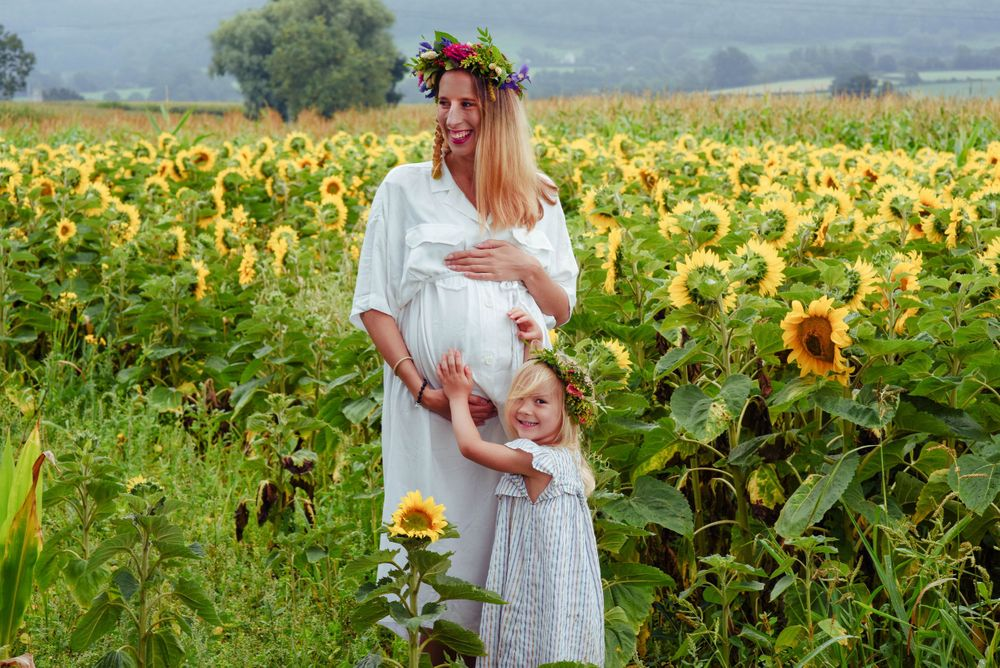 Maternity Photography by Zara Davis, based near Stroud, Gloucestershire in the Cotswolds