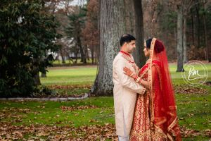 Personalize the ceremony and take advantage of cultural traditions.