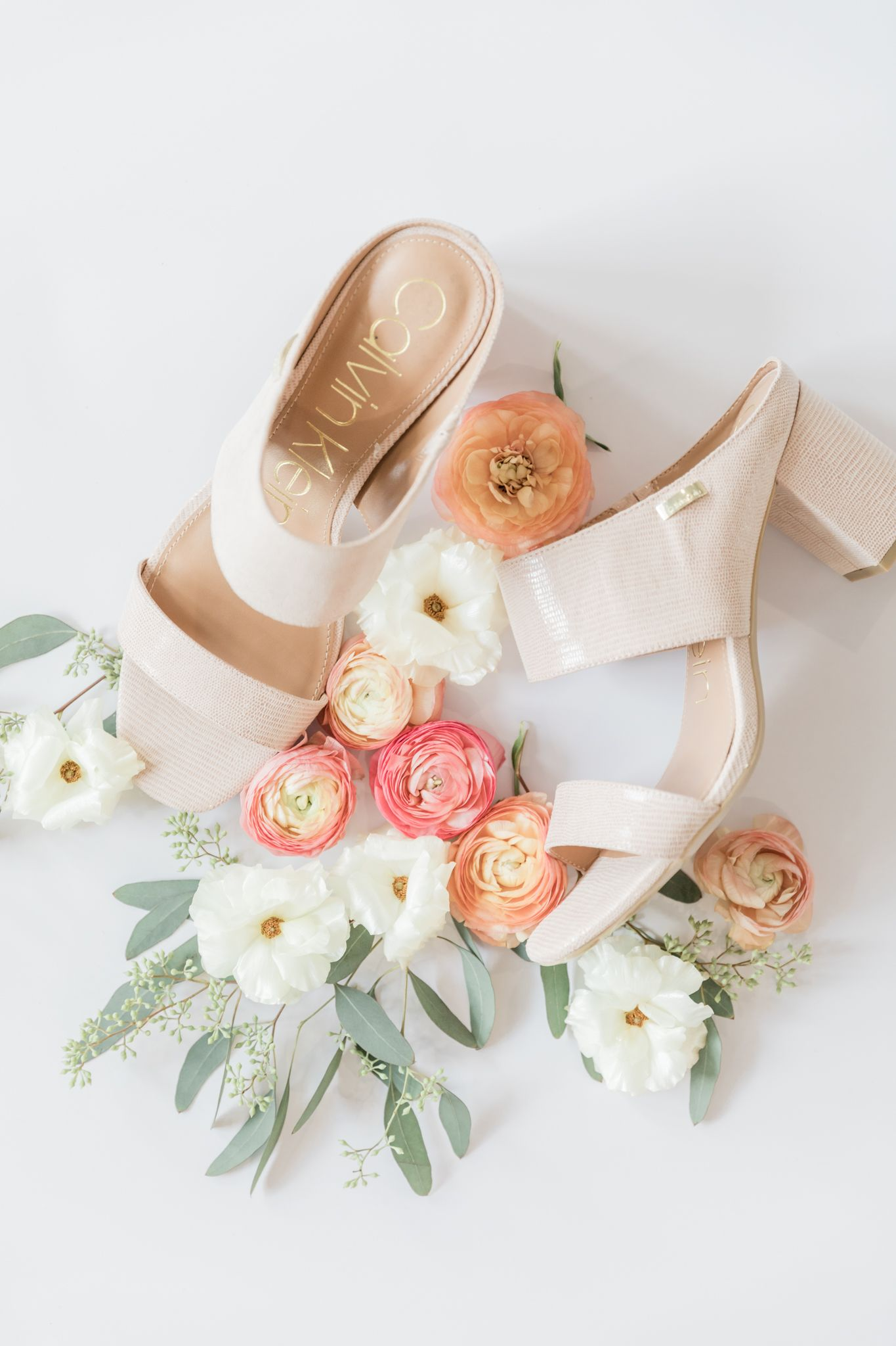 Shoes-Details-Flowers-Texas-Weddings