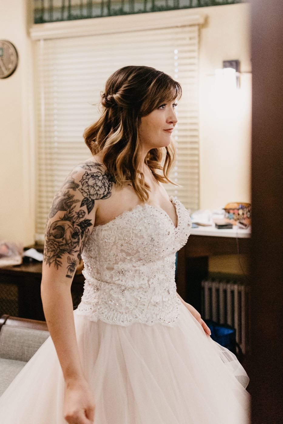 getting ready, portraits, mansion wedding, golden, colorado, photographer, best of colorado, tattoos, tattooed bride