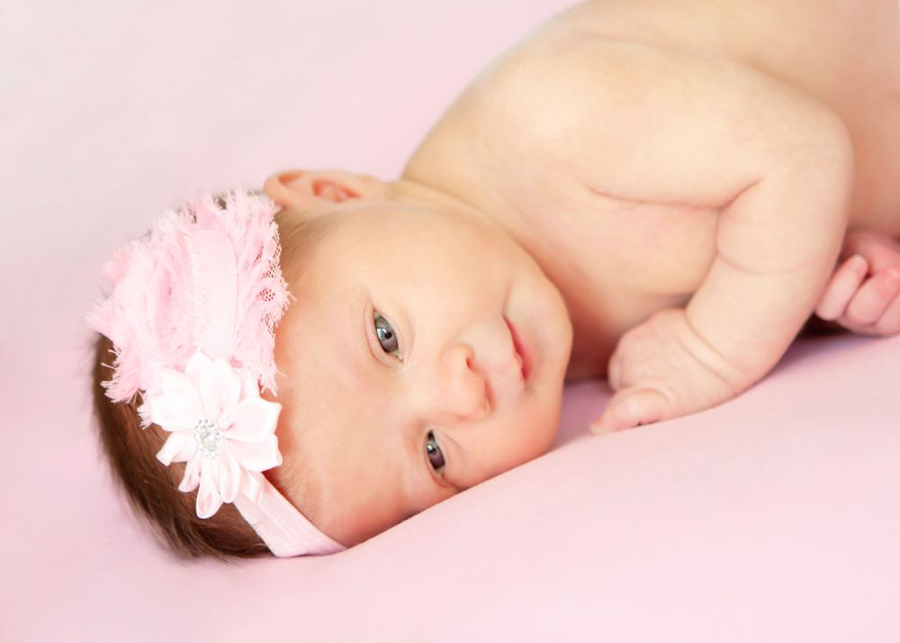 "<img src=""olivia_08"" alt=""youngstown lifestyle newborn pictures youngstown newborn pictures"">"