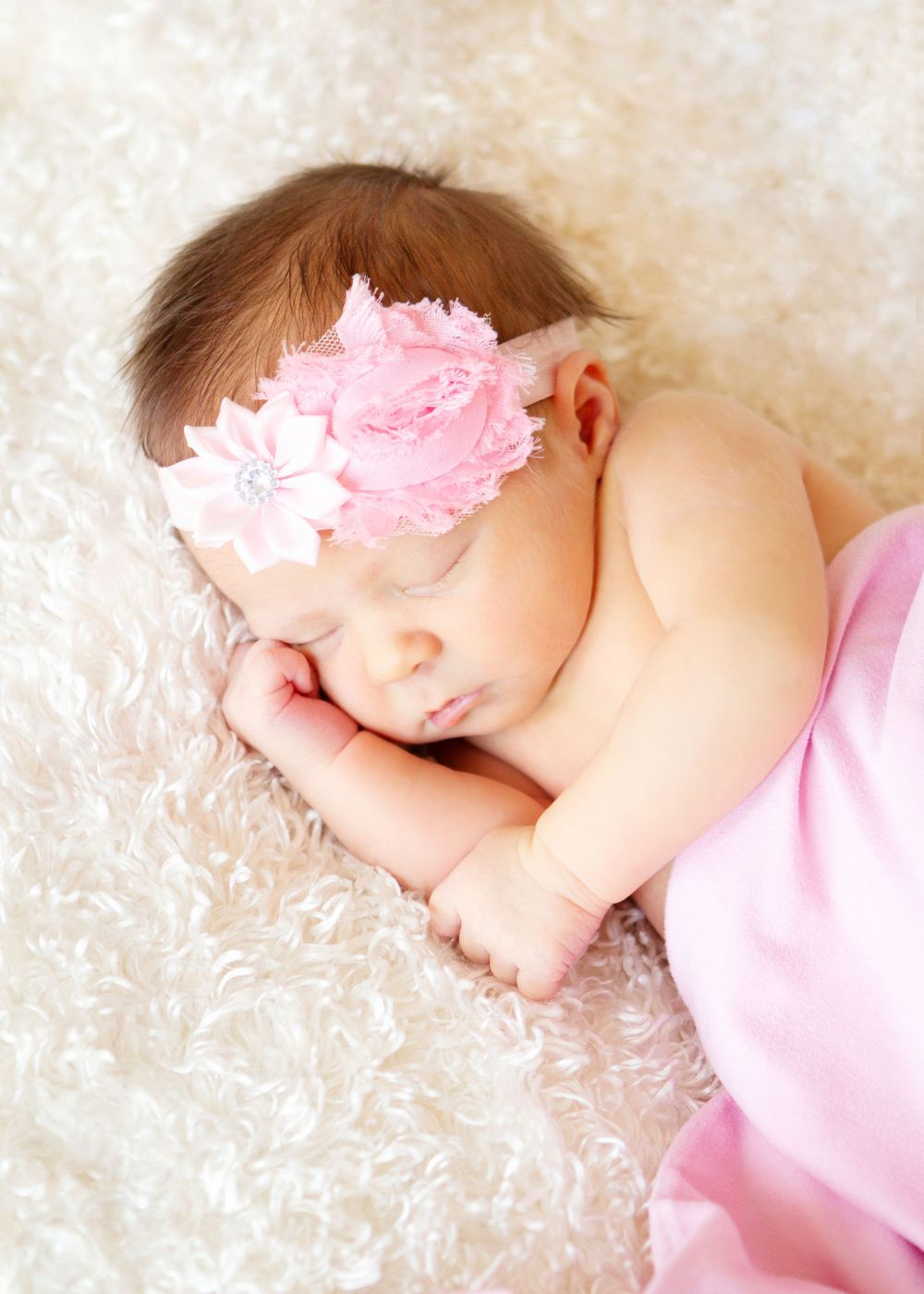 "<img src=""olivia_08"" alt=""youngstown lifestyle newborn pictures"">"