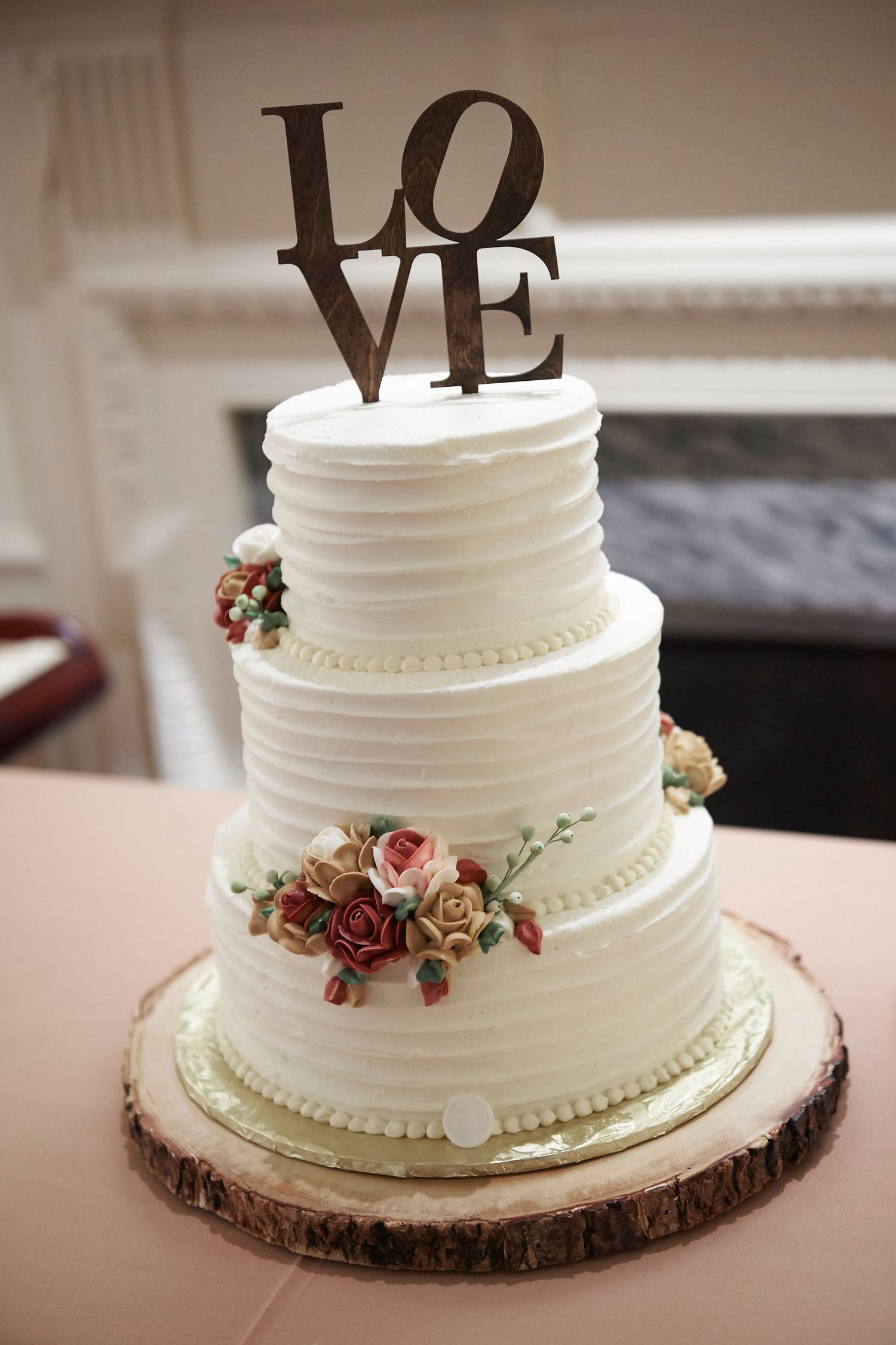 wedding cake at Colonial Dames in Philadelphia