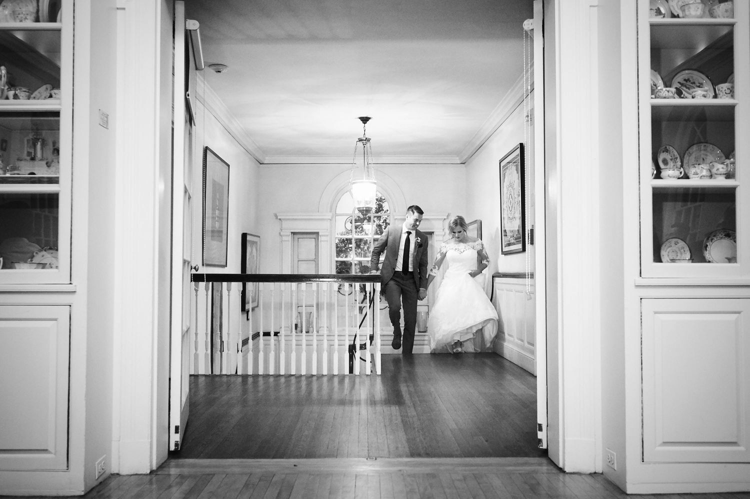 bride and groom at Colonial Dames in Philadelphia