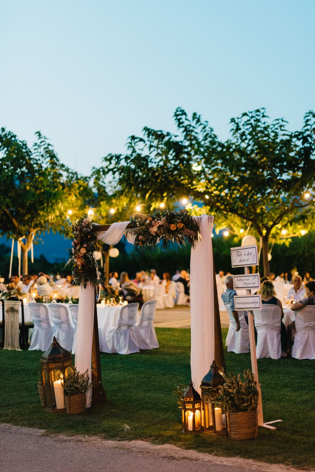 wedding decoration in velventos at kamkoutis winery