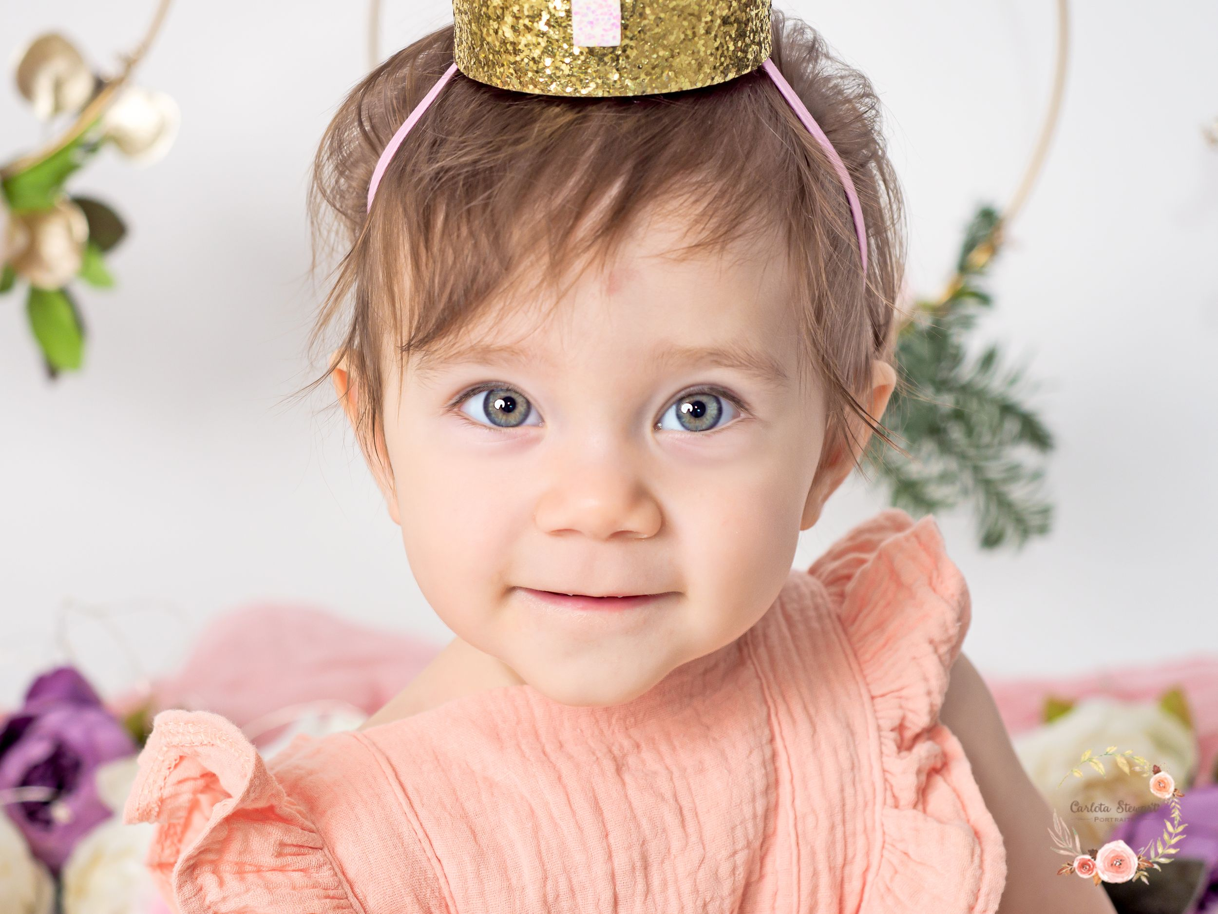 Girl celebrating her first birthday with a photoshoot in Mödling, Gumpoldskirchen, Austria