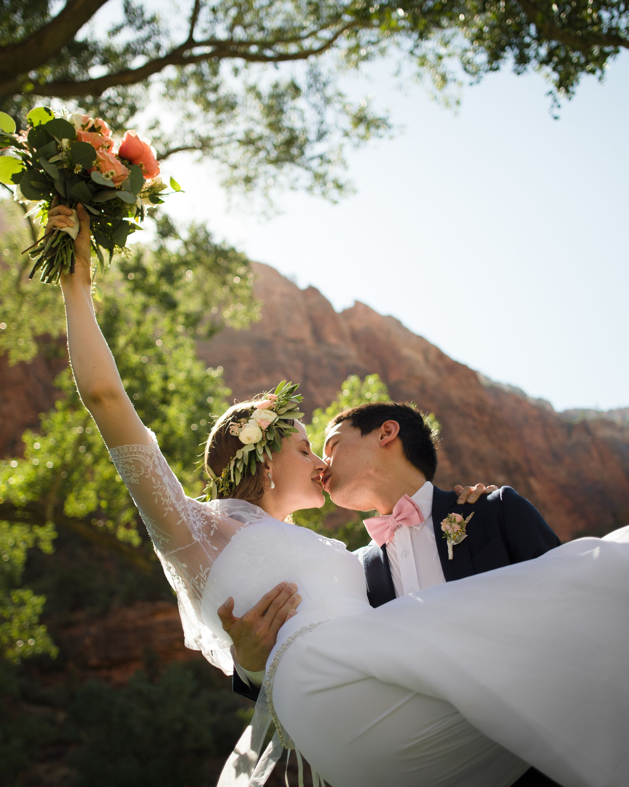 Bride and Groom kissing at Zion National Park.
