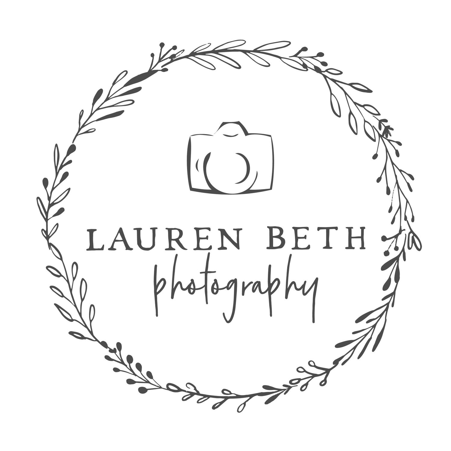 Circle black and white logo lauren beth photography