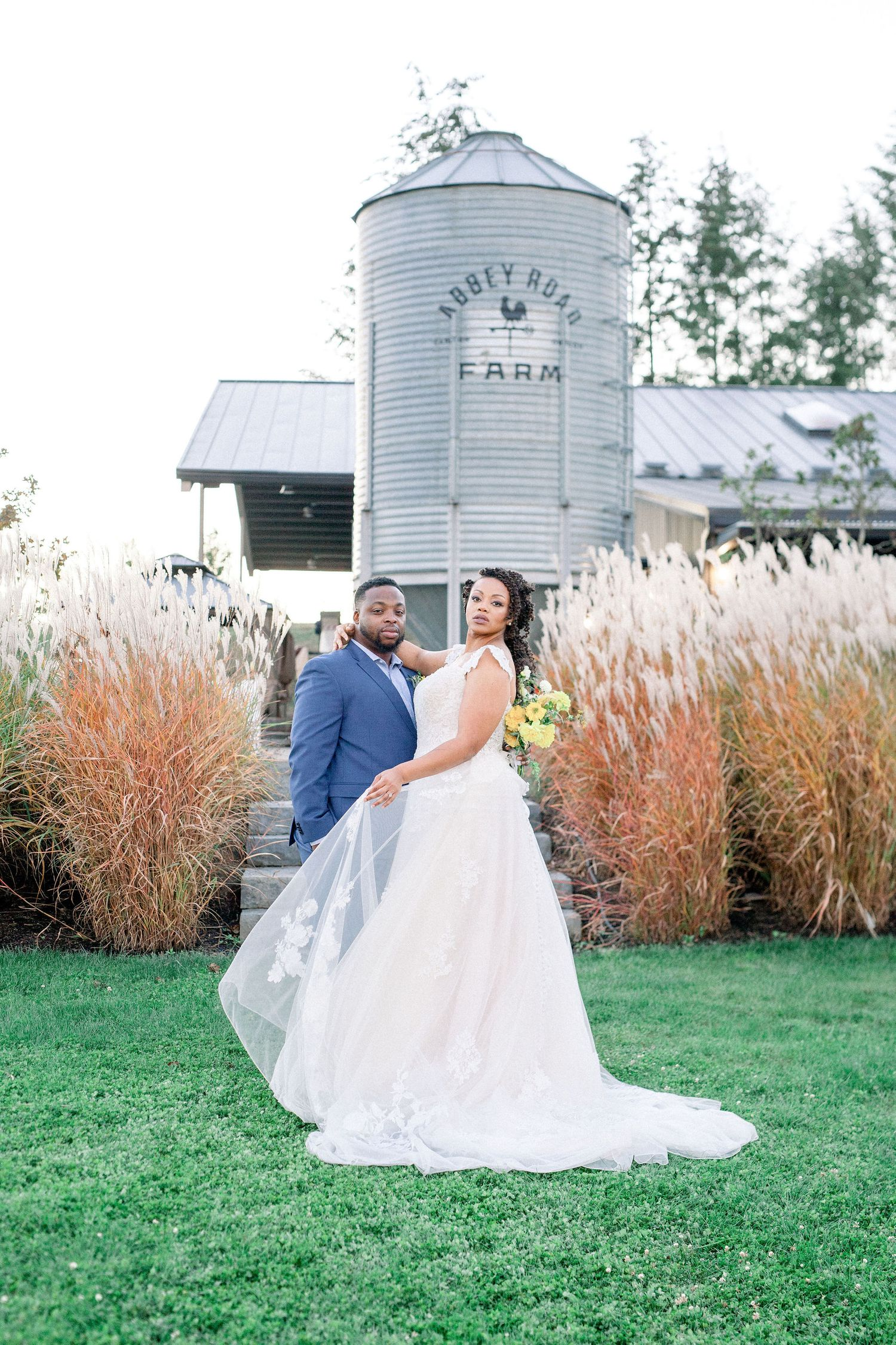 wedding, farm wedding, rustic, modern, couple