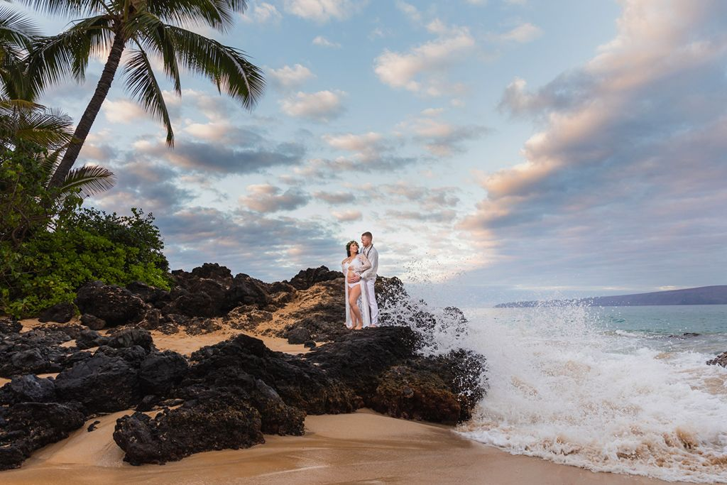 sunrise babymoon session at makena cove