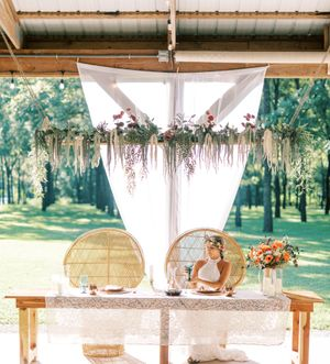 Lost Hill Lakes Events Photography of bridal table with bride by St. Louis Wedding Photographer JKG Photography