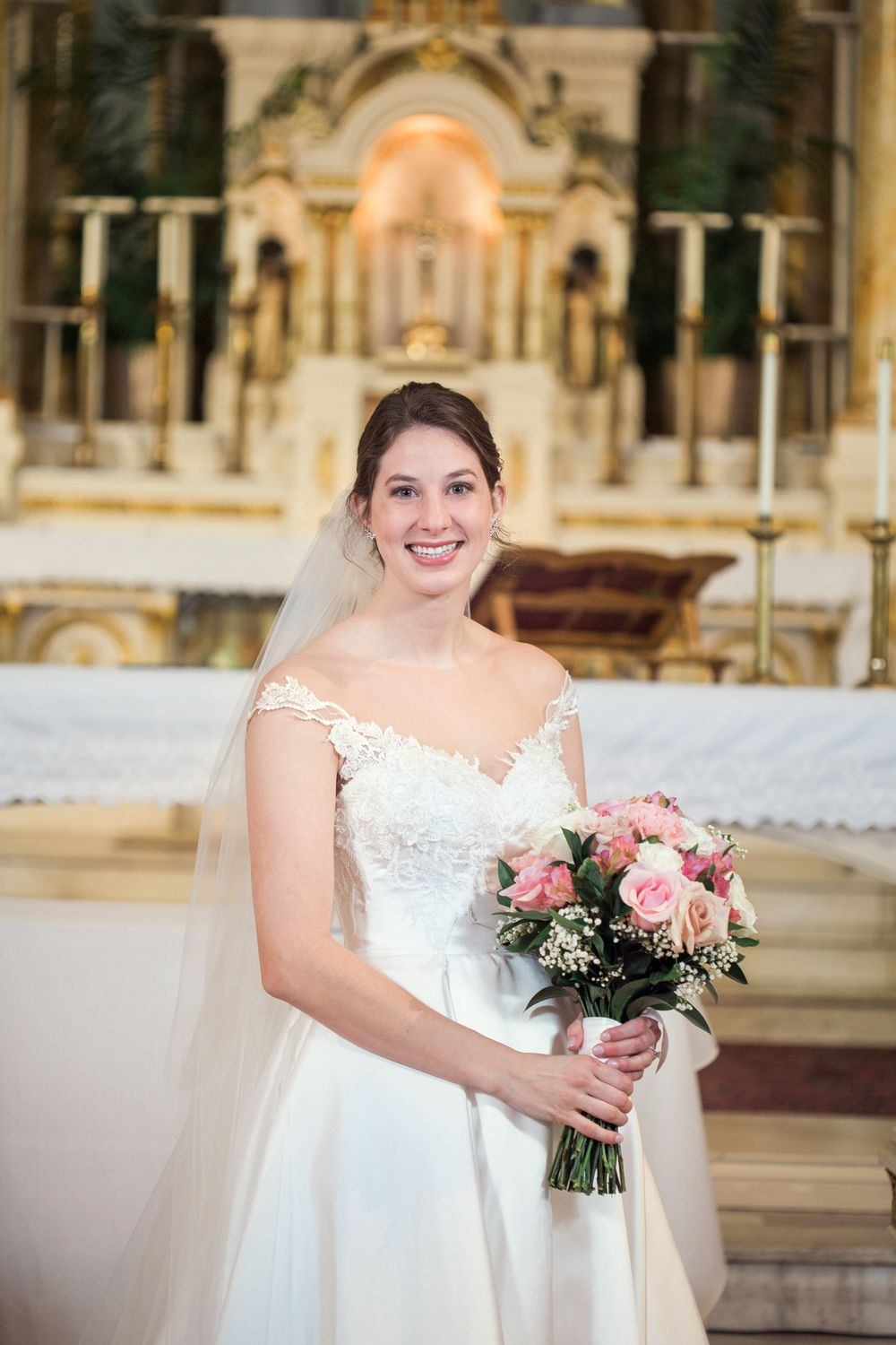 Kansas City Bride in Our Lady of Sorrows church