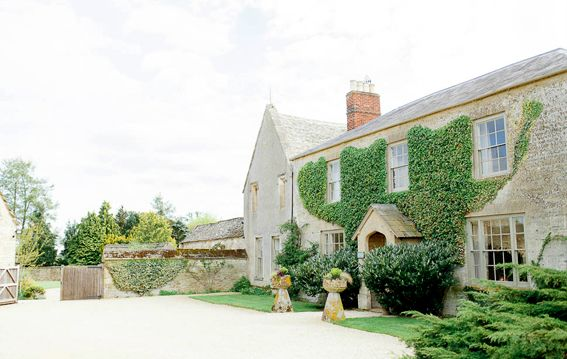 Caswell House Oxfordshire is on Faye Amare's wedding venue bucket list