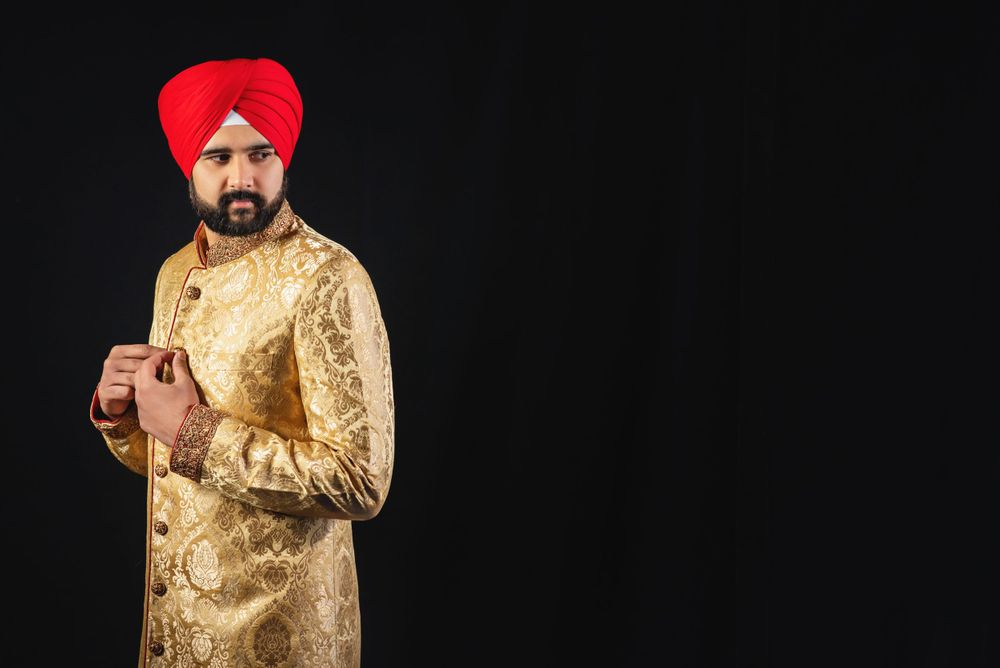 Alrewas Hayes Asian wedding photography. Midlands Sikh wedding photos. Asian bride wedding portrait photo.
